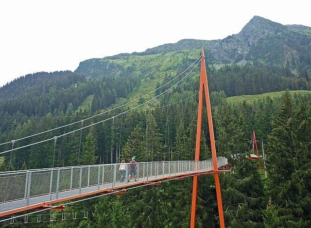 Baumzipfelweg, stezka korunami stromů Saalbach, Golden Gate der Alpen